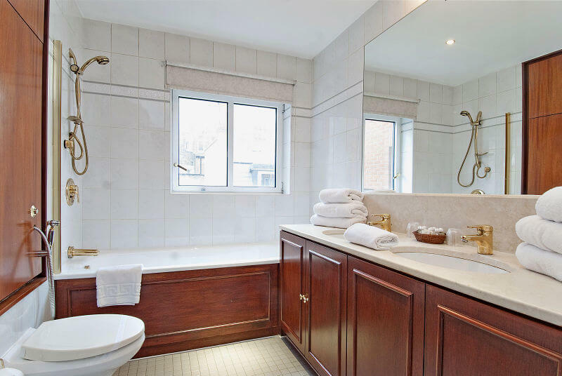 Large, luxury bathroom