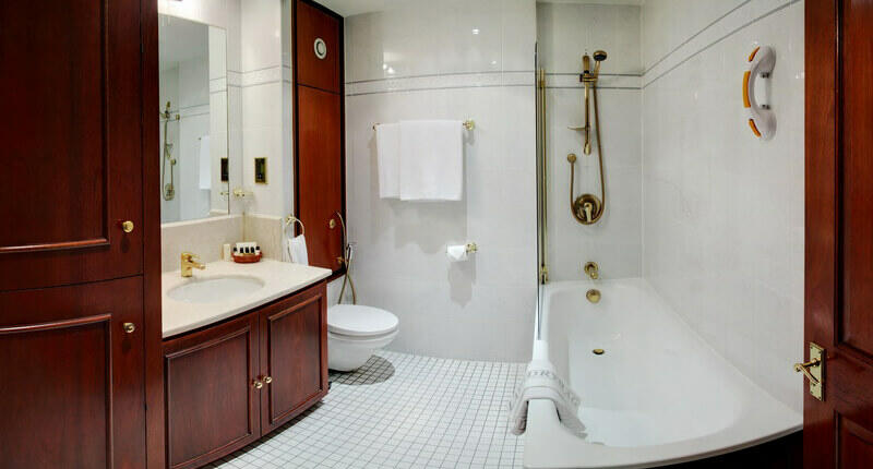 One Bedroom apartment in Mayfair with luxury bathroom