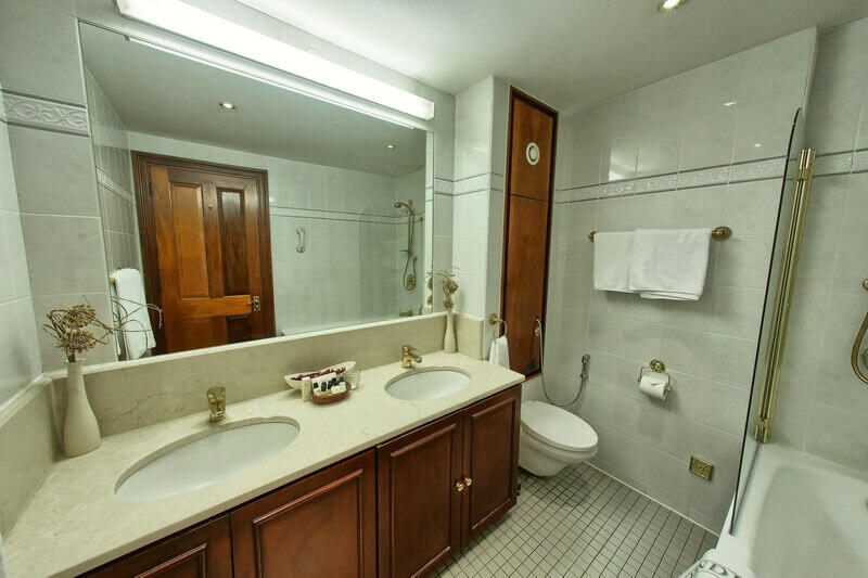 Double bathroom with large mirror